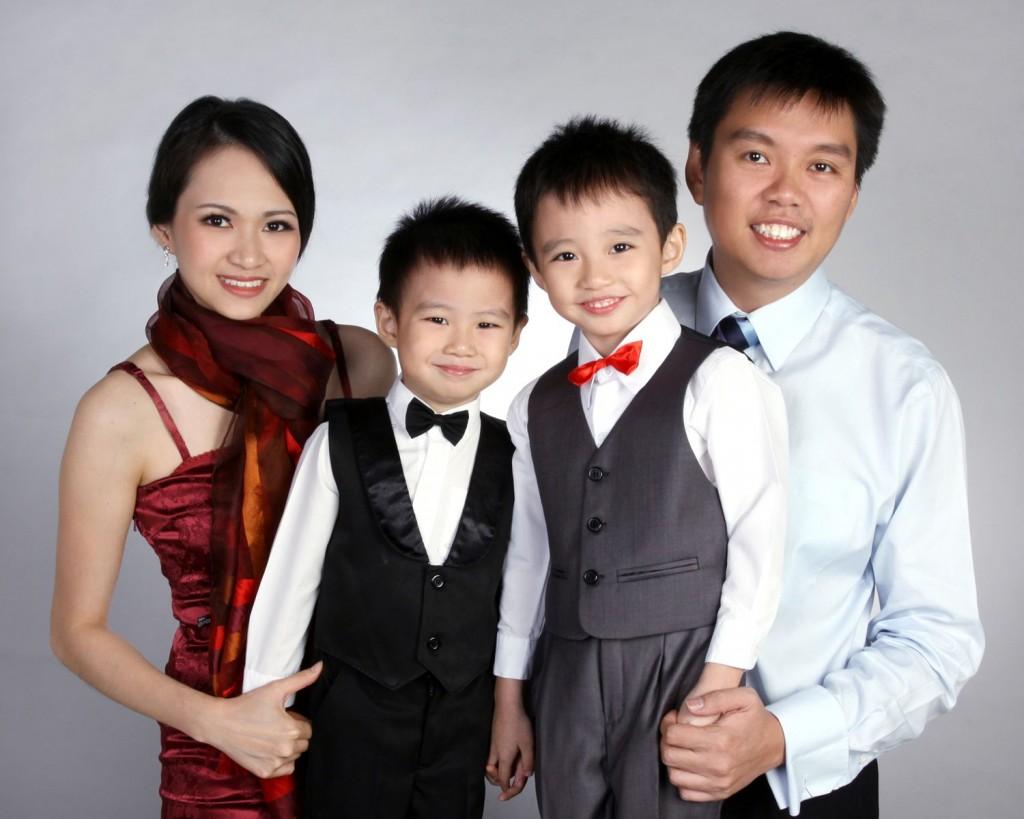 photo studio in singapore for family photos